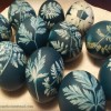 Dyeing eggs with a leafy look