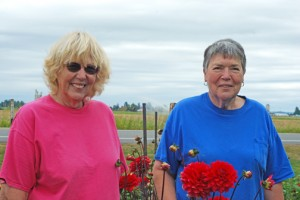 Nadine De Golier and Linda Jonasson of Delightful Dahlias. PHOTO BY CAROL FREY